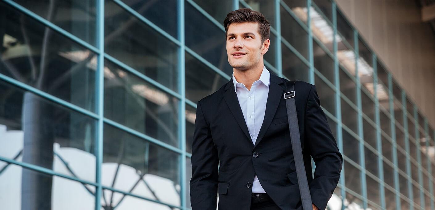 f8d21c541a43b Jak dobrać męską torbę na ramię i jak ją nosić? - Porady - Blog -...