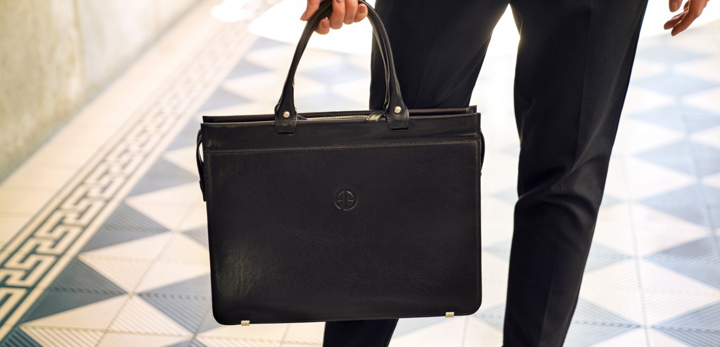 Skórzane torby biznesowe dla niej i dla niego – przegląd