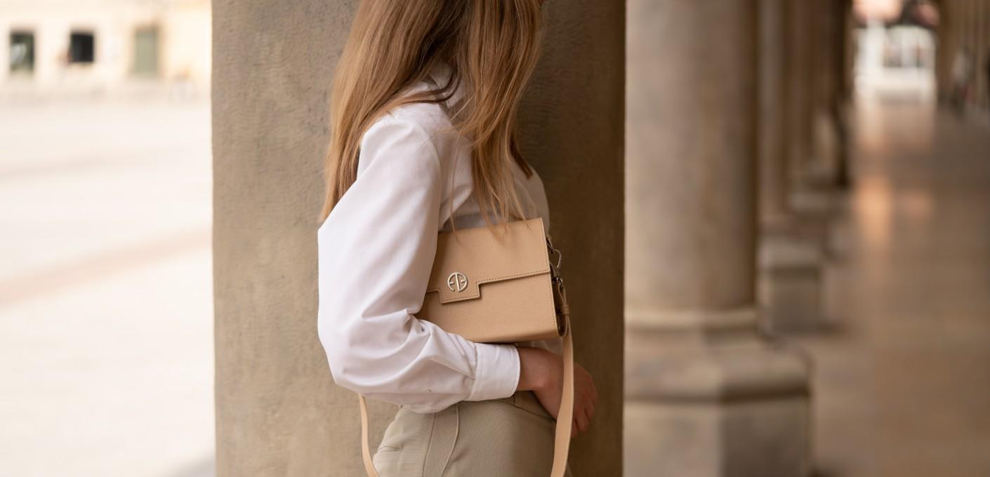Kobieca garderoba kapsułowa – 5 praktycznych porad, jak ją skompletować