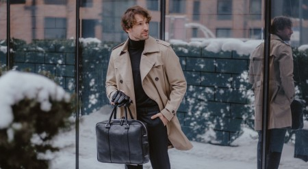 Jak dopasować męską torbę do stylizacji?