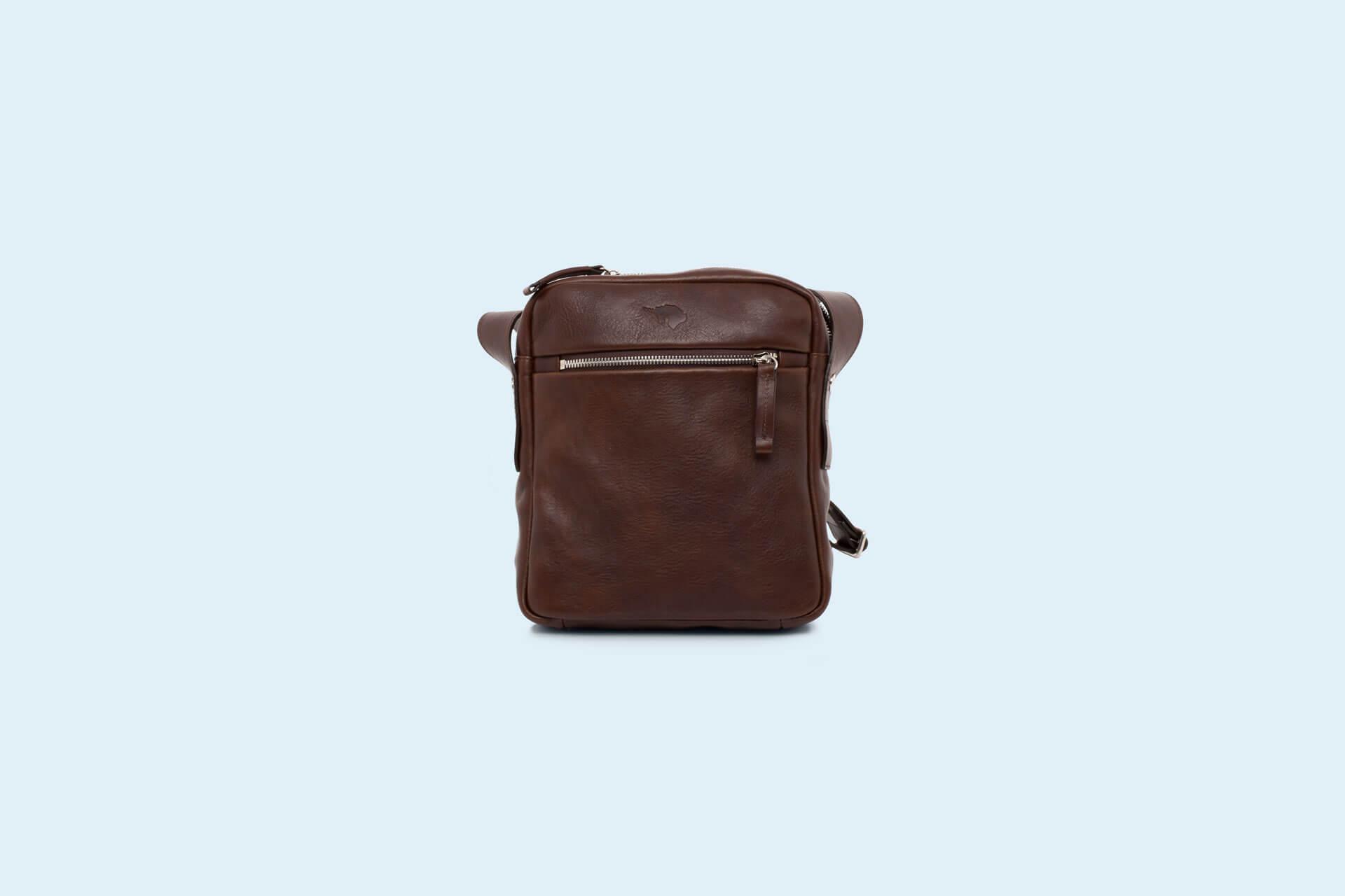 cc0dfaa545499 Skórzana listonoszka męska - Nonconformist Messenger small bag brown.  torba meska messenger braz.jpg